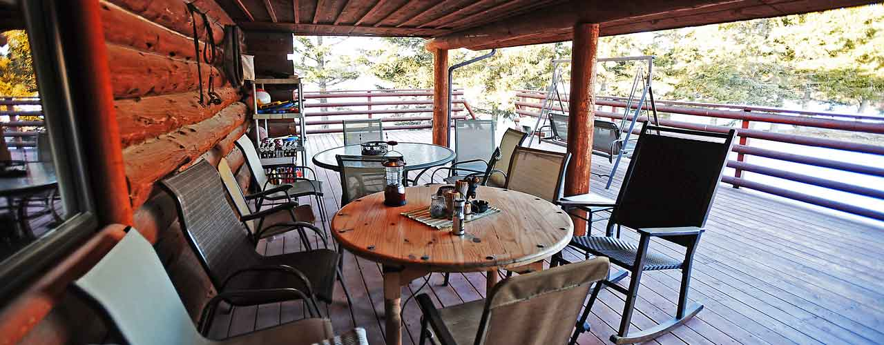 Chisum Lodge in Whitefish Montana Outdoor Dining