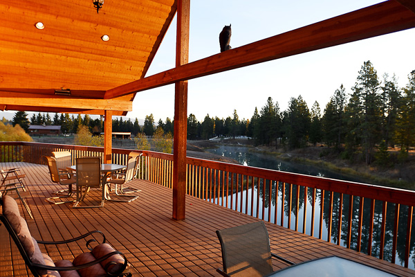 Deck Overlooking the Stillwater River - River View Lodge