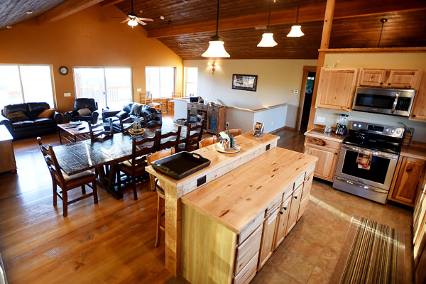 5 Bedroom River View Lodge in Whitefish Montana