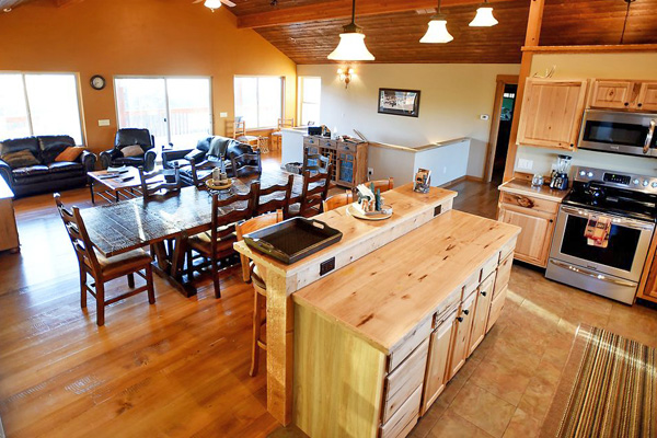 Kitchen and Living Area - River View Lodge