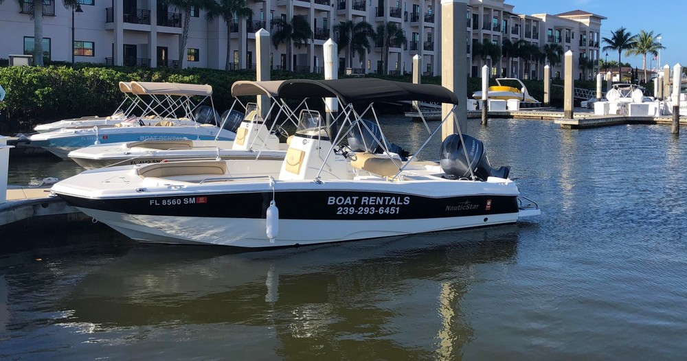 Rent a boat in Naples Florida