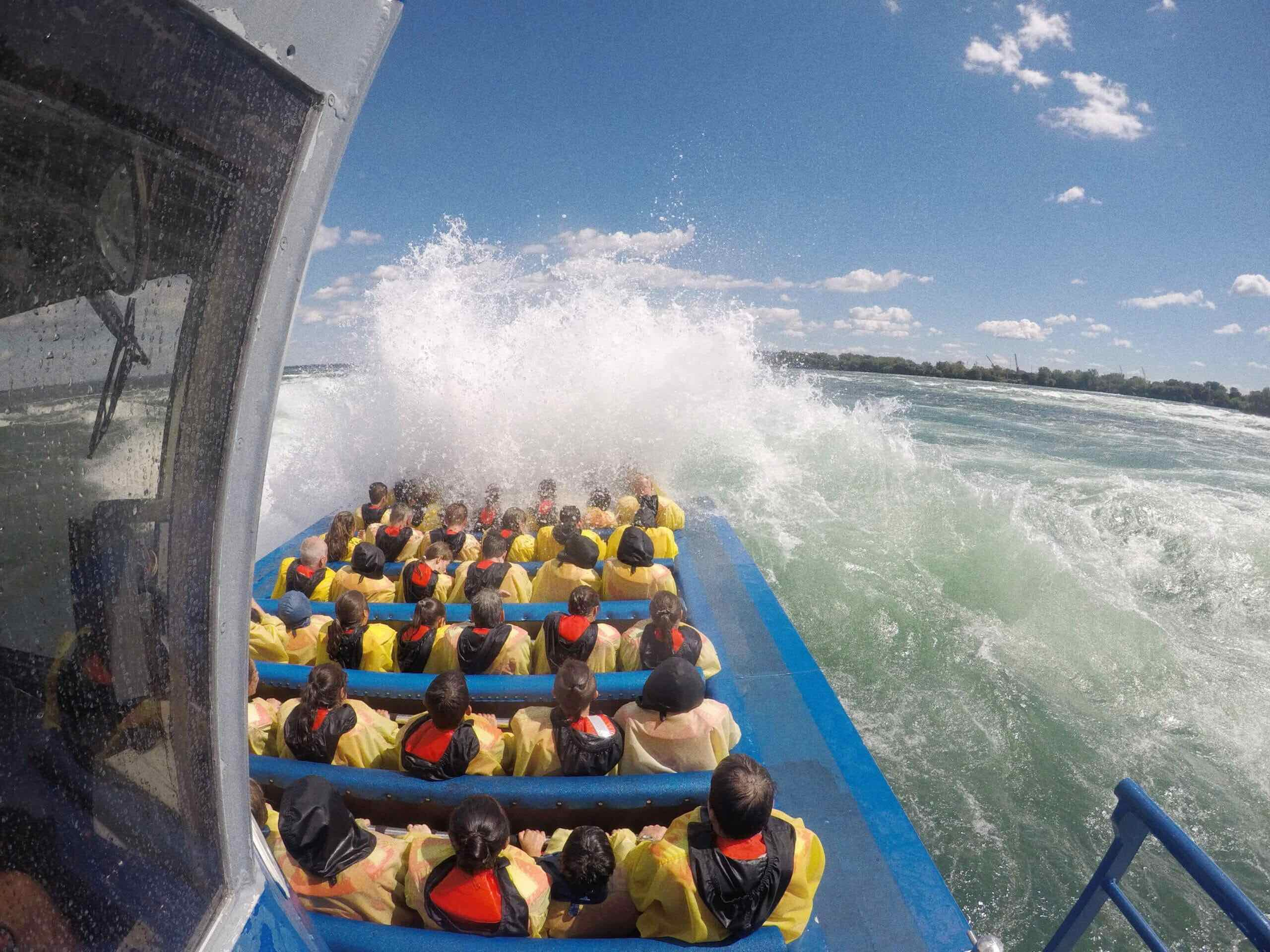 The-best-boat-tour-in-Montreal-in-the-best-part-of-the-St-Lawrence