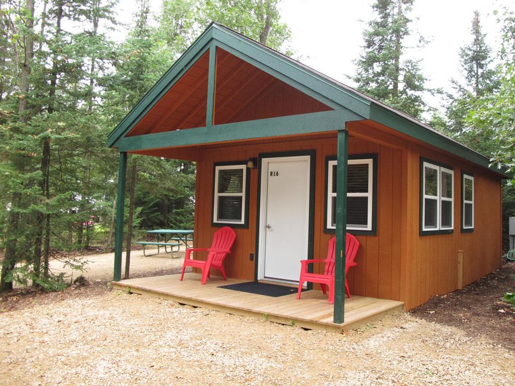 Deluxe Cabin R16 Exterior