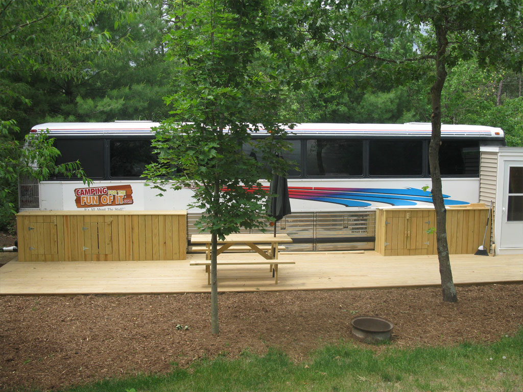 Motor Coach exterior sideview