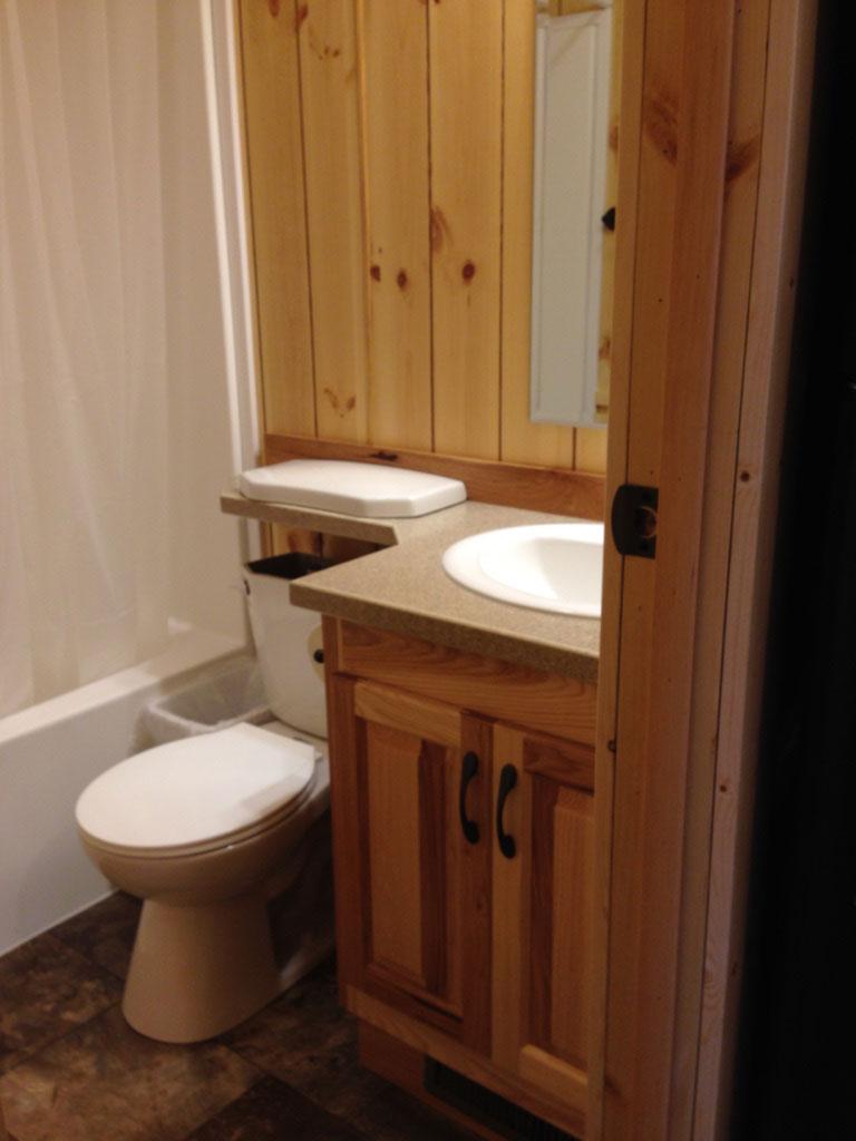 Park Model 97 Bathroom