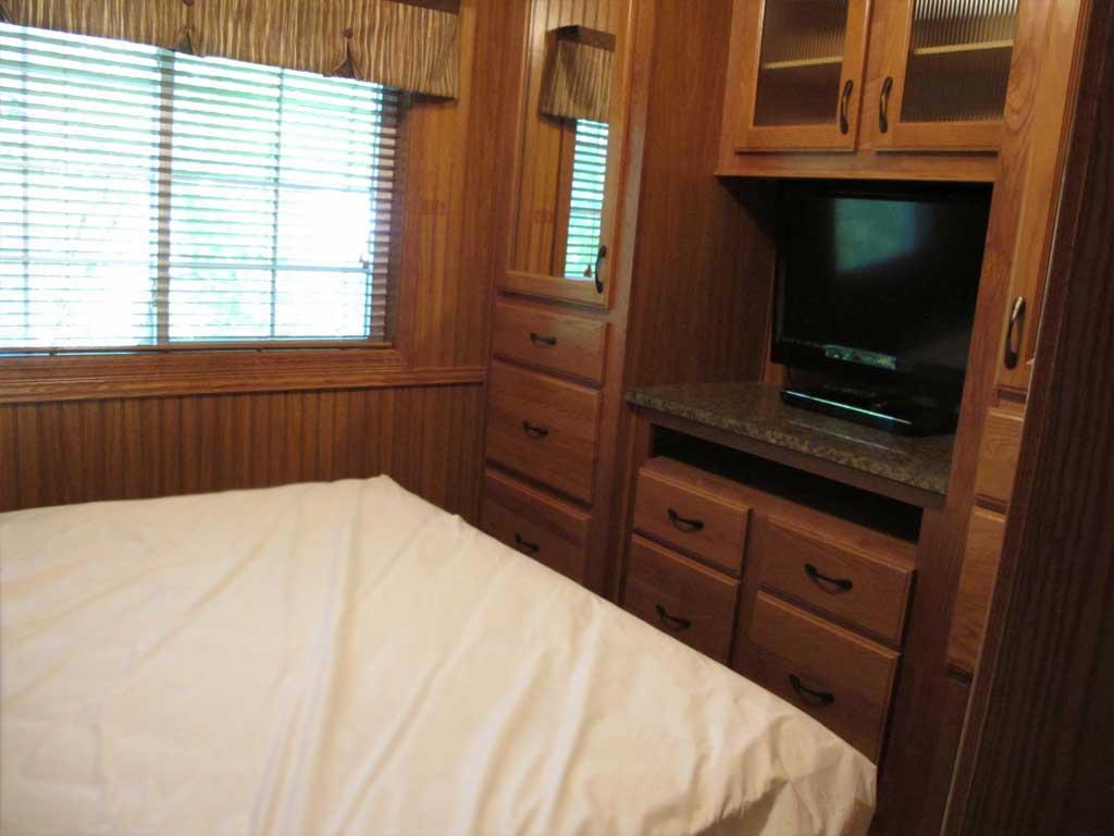 Park Model 113 master bedroom