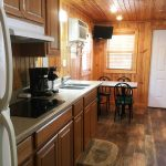 Smokey Hollow Deluxe Cabin Style 3 Kitchen