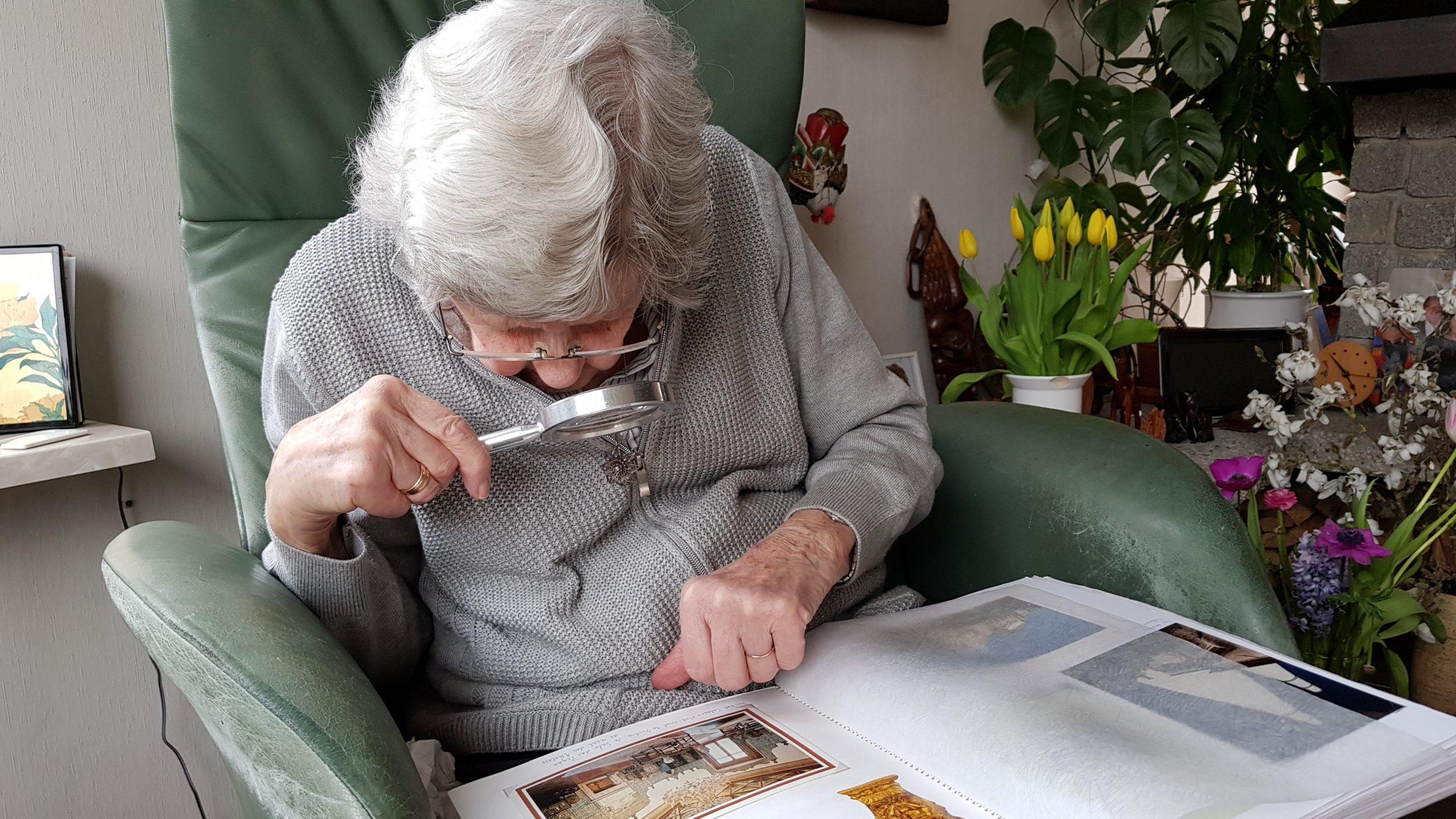 elderly-3282517