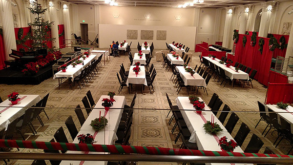 picture of the sunkin ballroom just before the homeless arrived for christmas dinner
