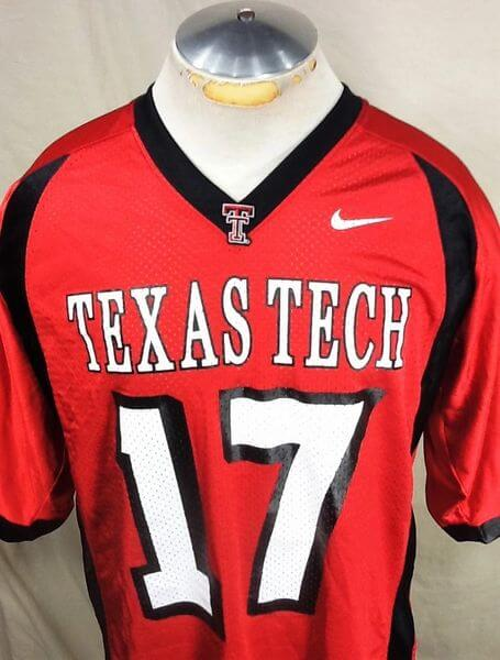 Nike Texas Tech Red Raiders #17 (Large) Retro NCAA College Football Jersey (Close Up)