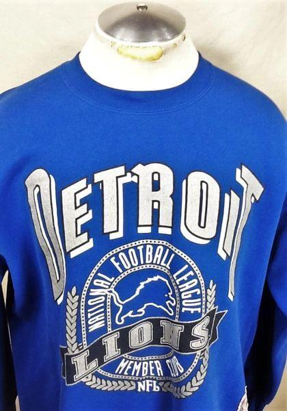Vintage 90's Detroit Lions Football (XL) Retro NFL Graphic Crew Neck Sweatshirt (Close Up)