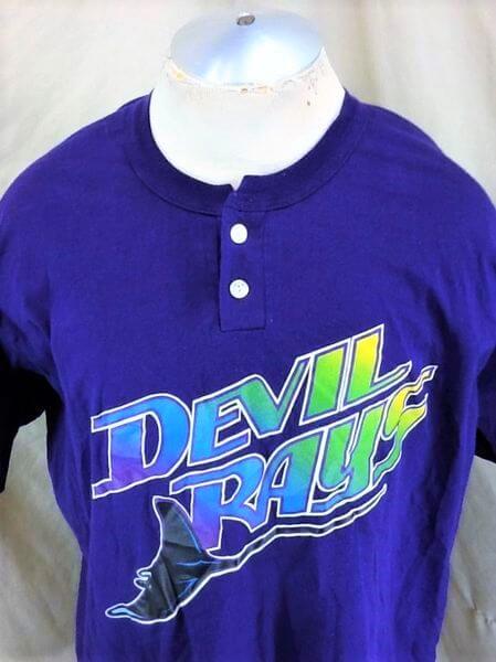 Vintage 90's Tampa Bay Devil Rays (XL) MLB Baseball Classic Logo T-Shirt (Close Up)