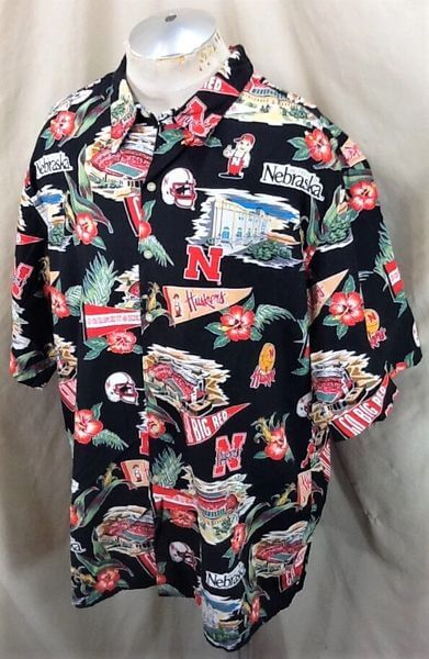 Reyn Spooner Nebraska Cornhuskers (3XL) College Sports Huskers Hawaiian Shirt (Side)