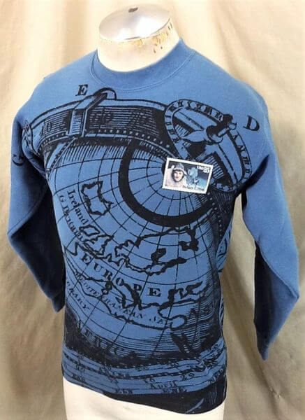 Vintage 90's Richard Byrd American Aviator (Small) All Over Graphic Crew Neck Sweatshirt (Side)