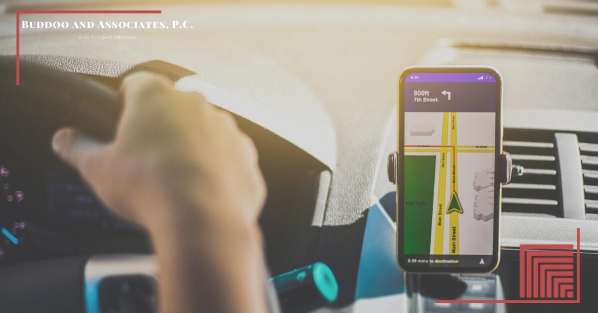 rideshare-driver-using-gps
