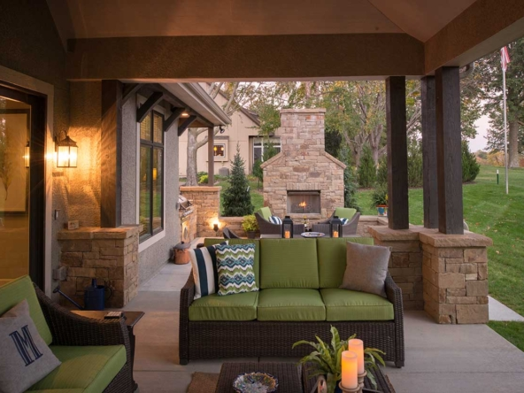 custom home outdoor living space