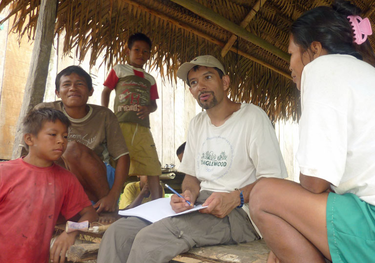talking to the people of La Libertad