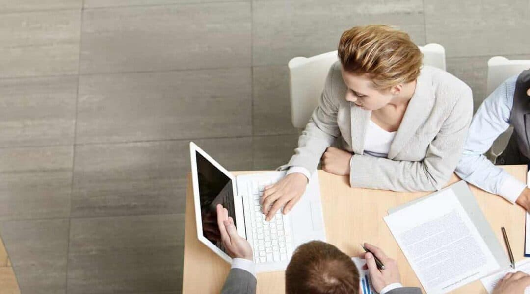 Advantages of Written Communication for Businesses