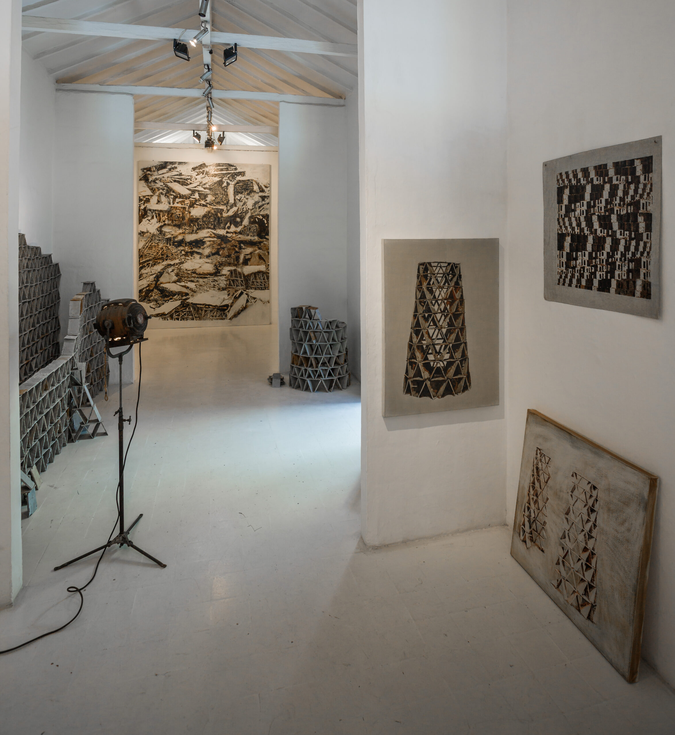 Panorámica exposición Horror Vacui / Work in progress. Galería de la Oficina, Medellín, Colombia.  2015.