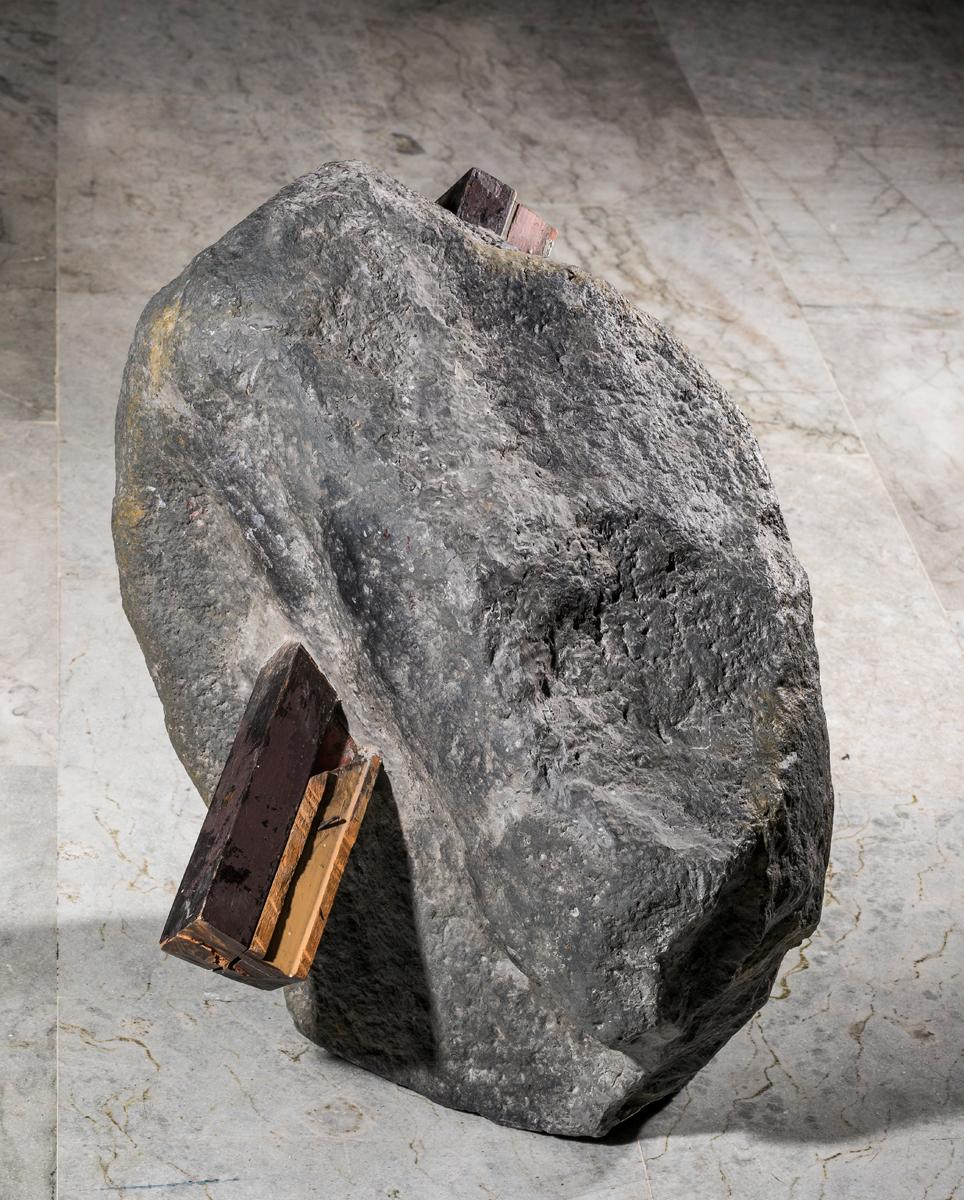 Imbricados, 2015. Madera, resina poliéster y fibra de vidrio. Fotografía: Carlos Tobón