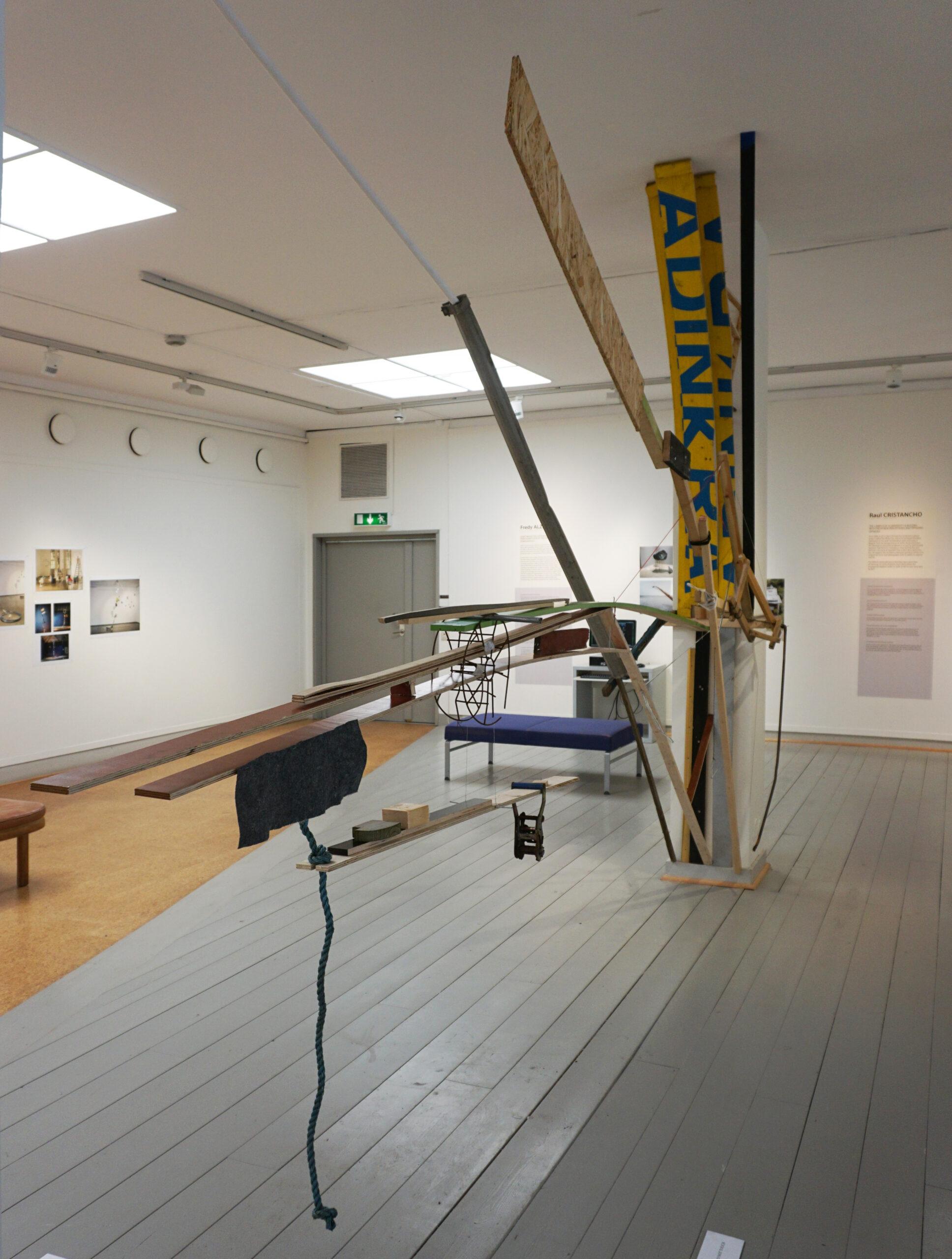 Estructuras parásitas, 2017.  Materiales encontrados en la bodega del Museo Läns, Örebro, SU