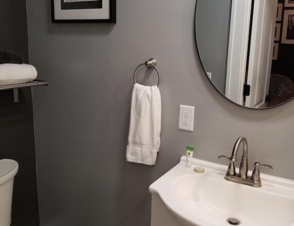 Bed n Breakfast Astoria bathroom2