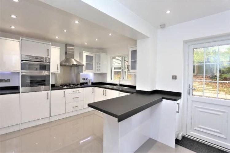 Chigwell kitchen new2