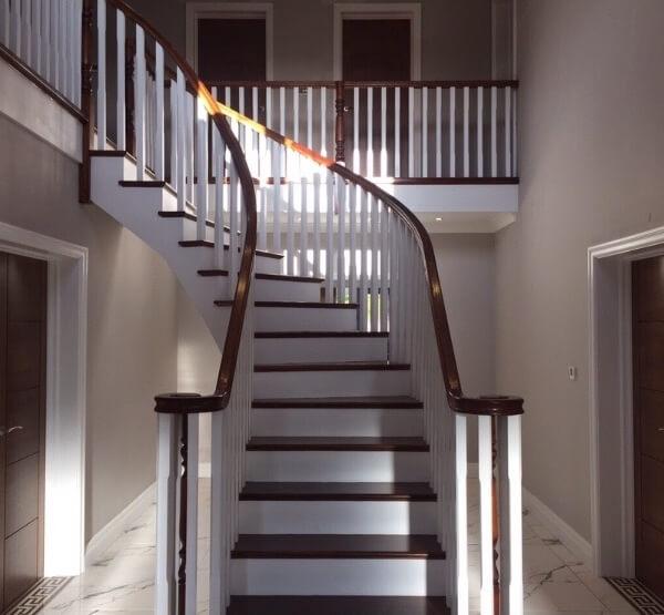 LL Staircase new2 e1539892011276