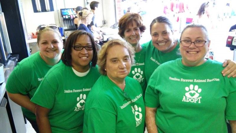 Smiles-Red-Sox-Volunteers
