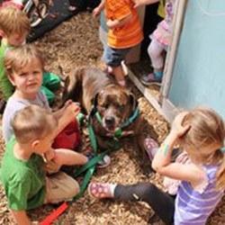 Sparty-dog-with-preschool-children