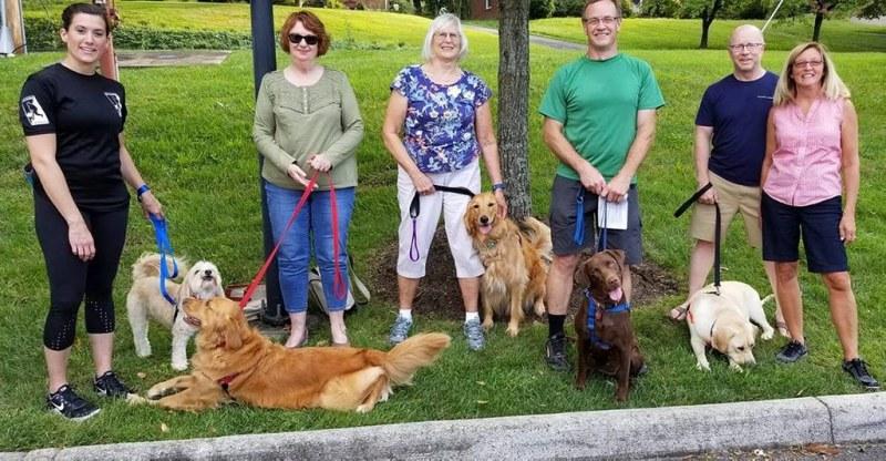 dogs-visiting-Brookdale-senior-living
