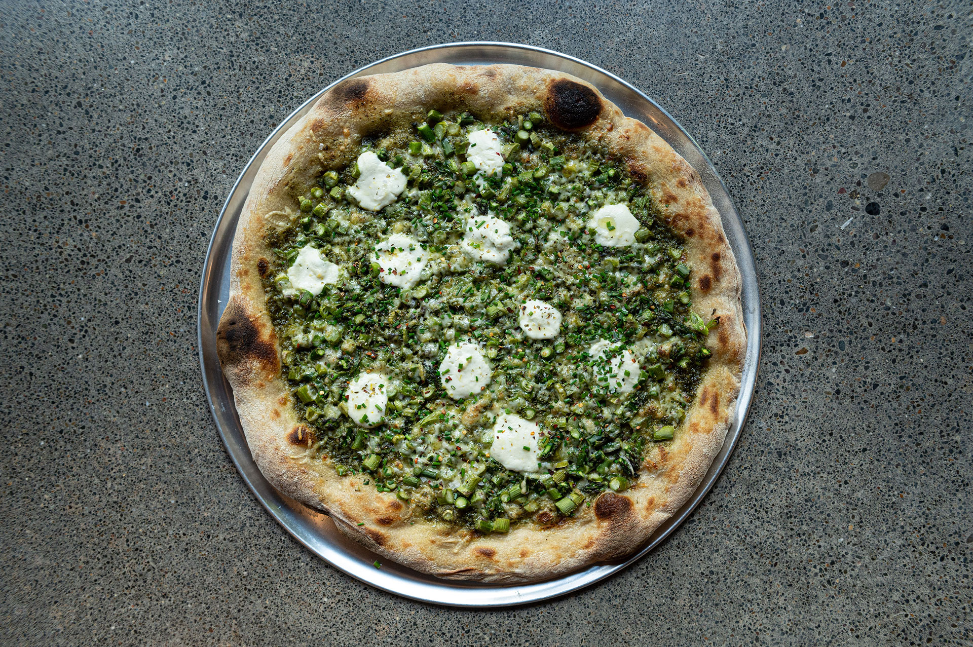 pizza-thief-pesto-pizza-top-shot