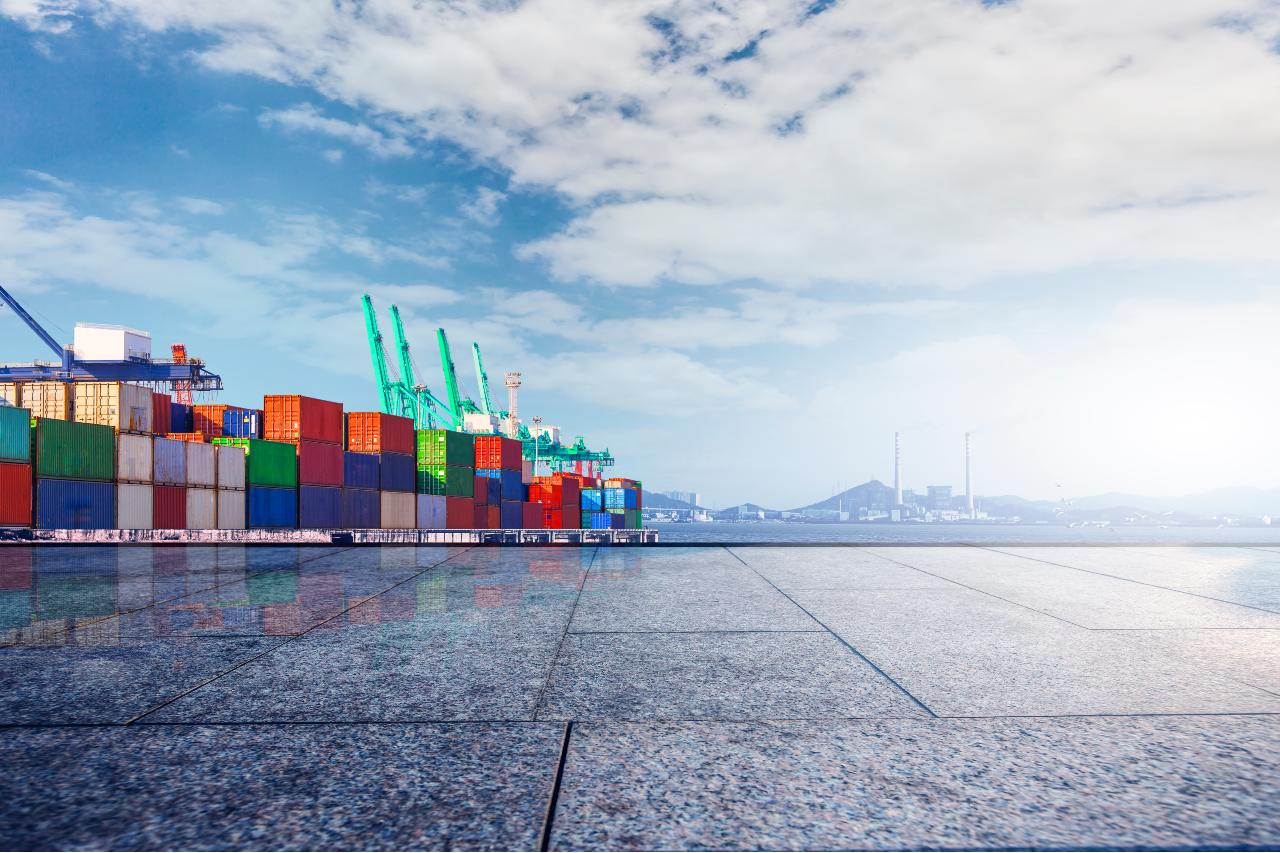 container-terminal-wharf-transport (1)