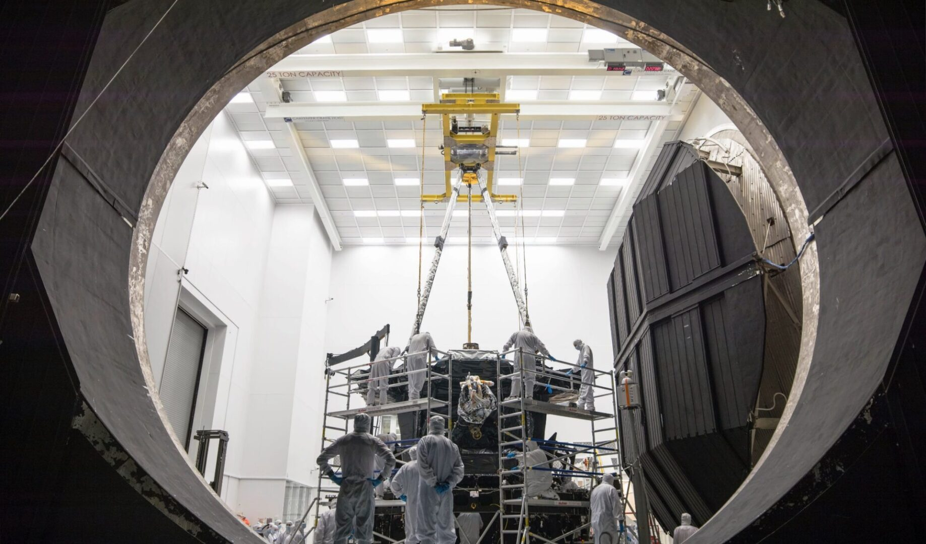 25 -Ton cleanroom crane at Johnson Space Center For NASA's James Webb Telescope project