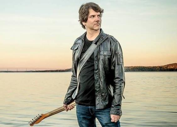 Guitarist Todd Mihan