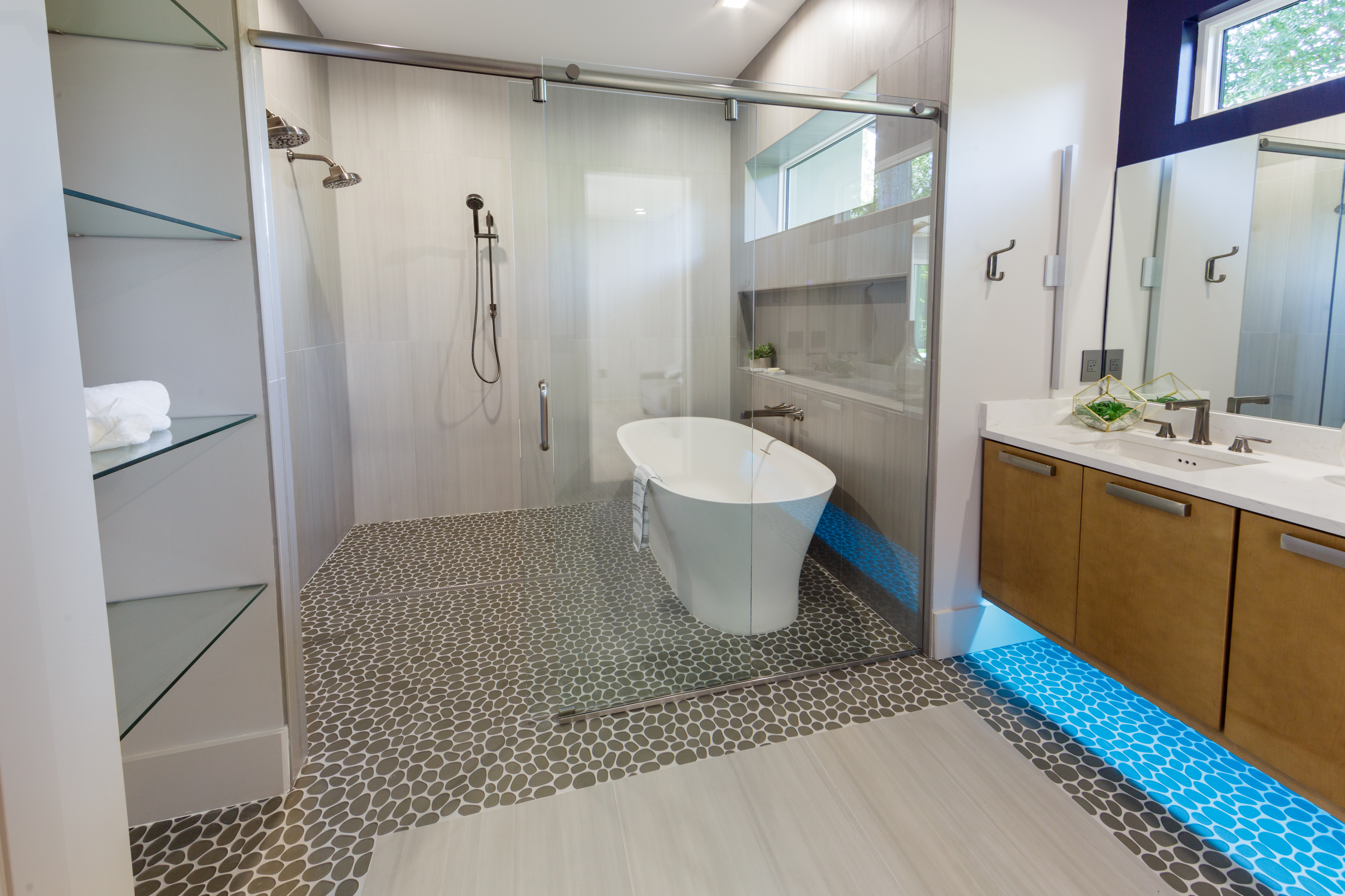 Grinnell Modern: Master Bath Tub and Shower