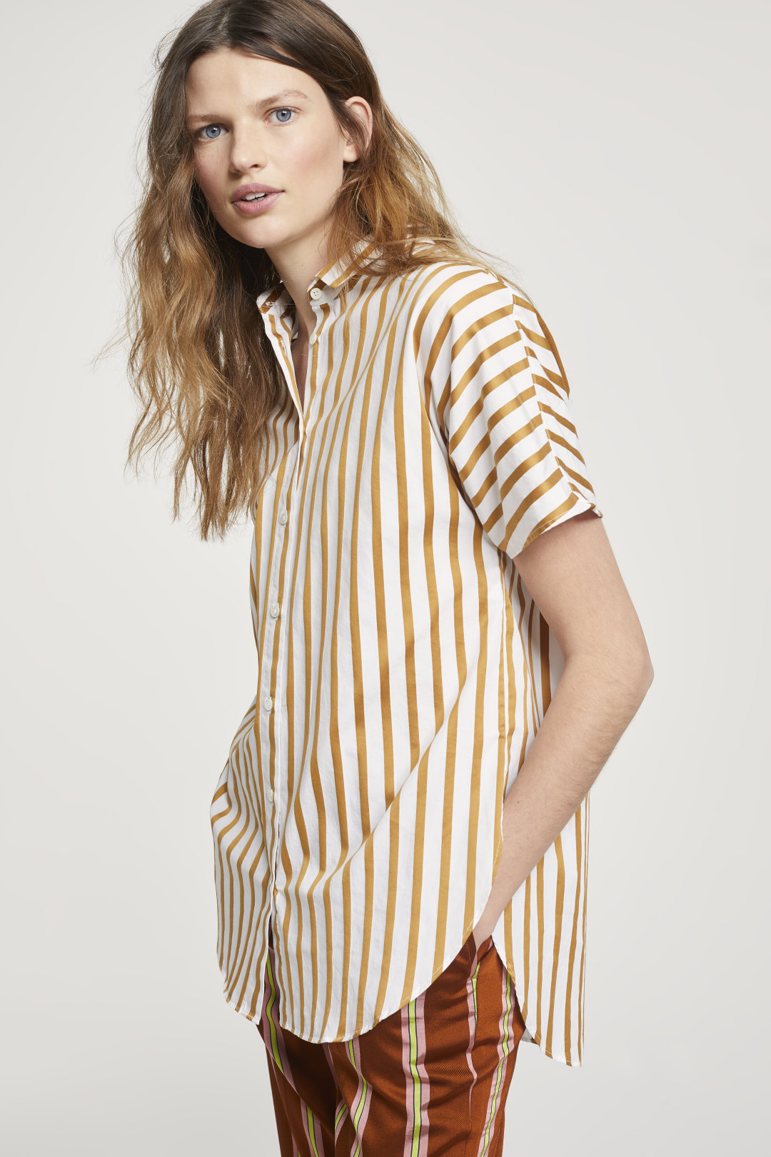 closed short sleeve striped blouse
