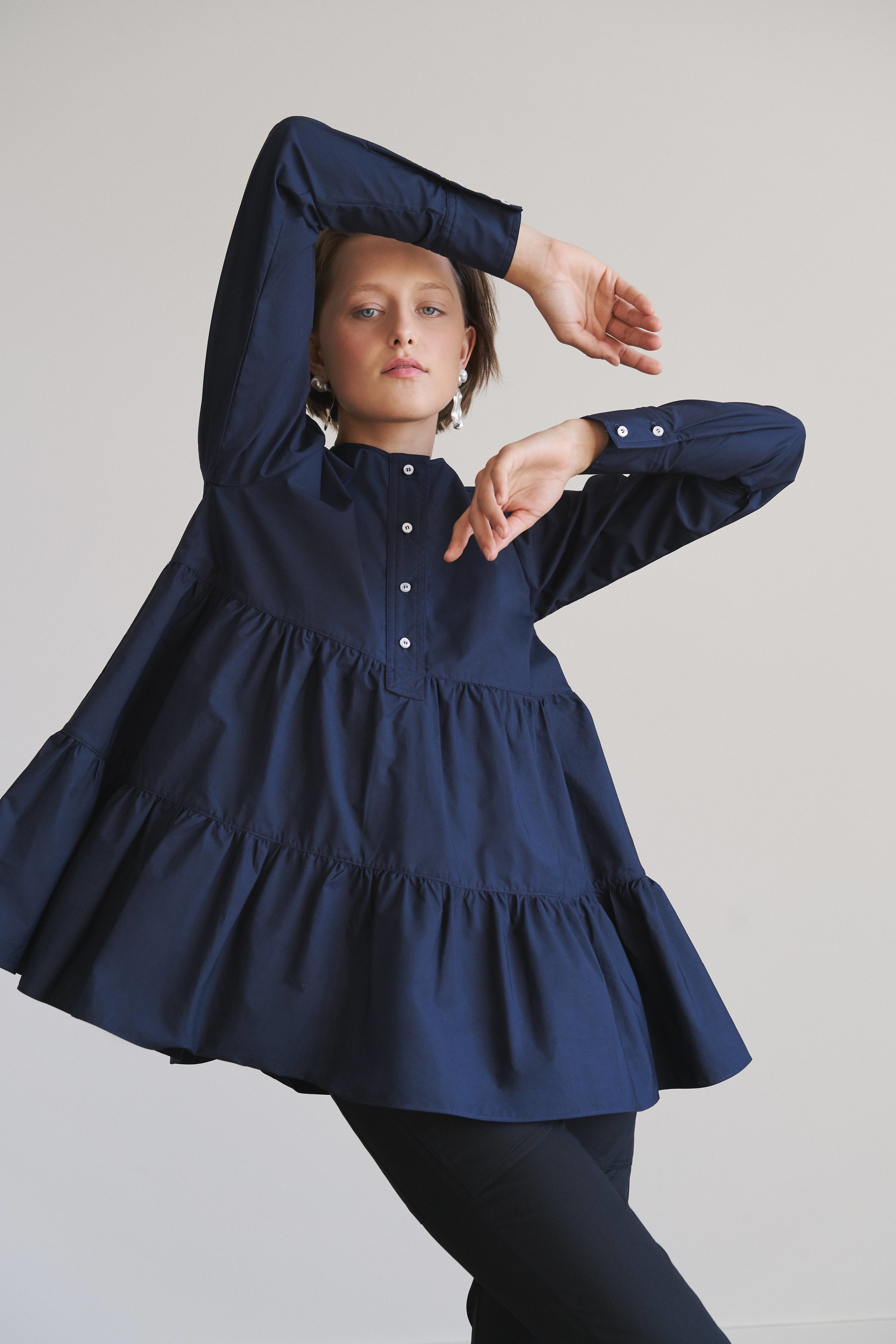 FabianaPignaFW19_navy tiered top