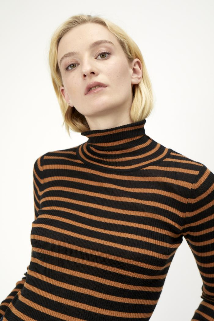 JUST pumpkin knit turtleneck