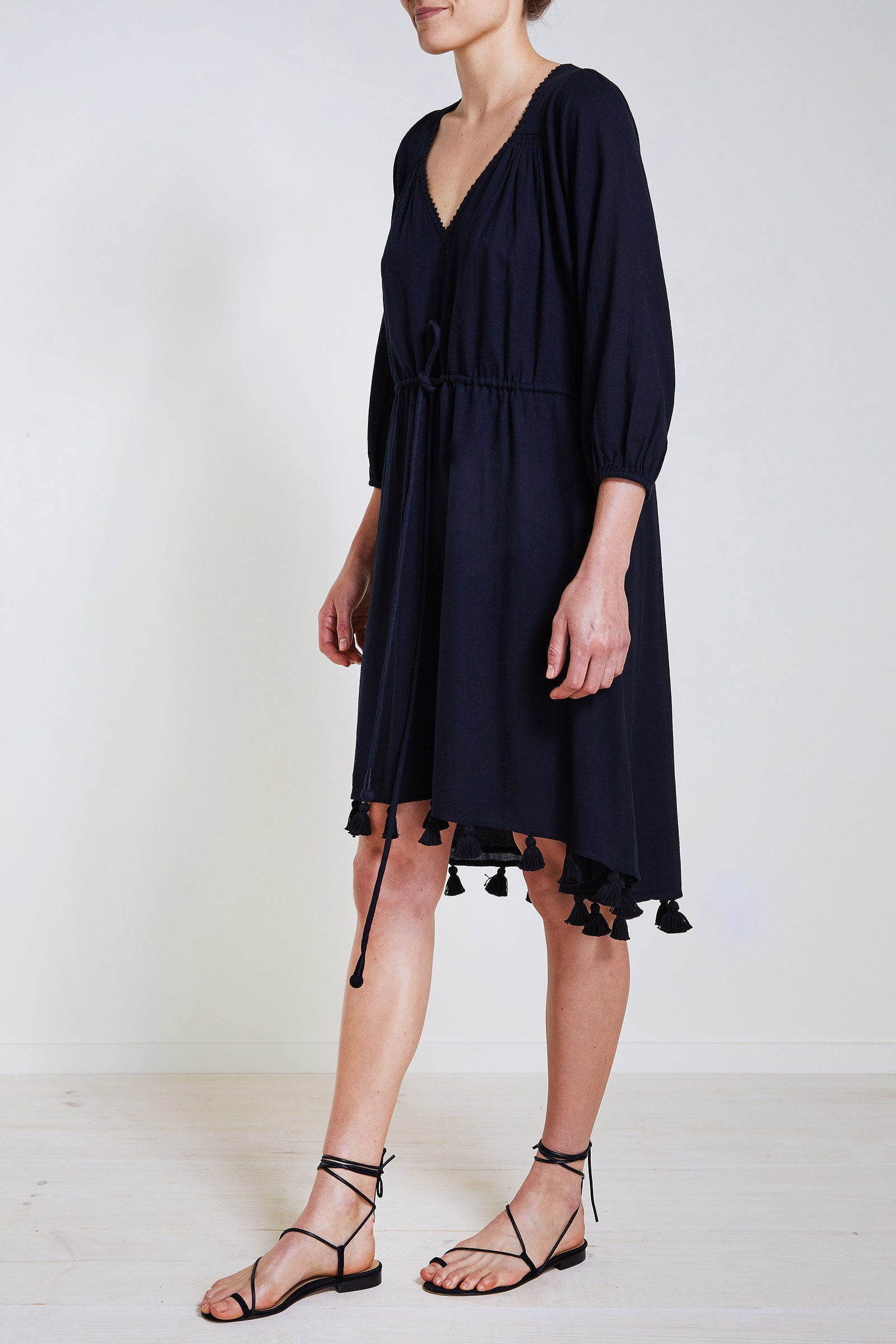 apa black dress