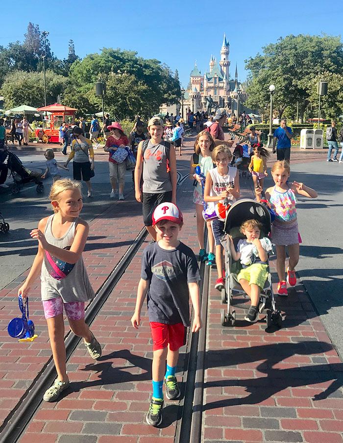 Kids walking down Main Street in Disneyland