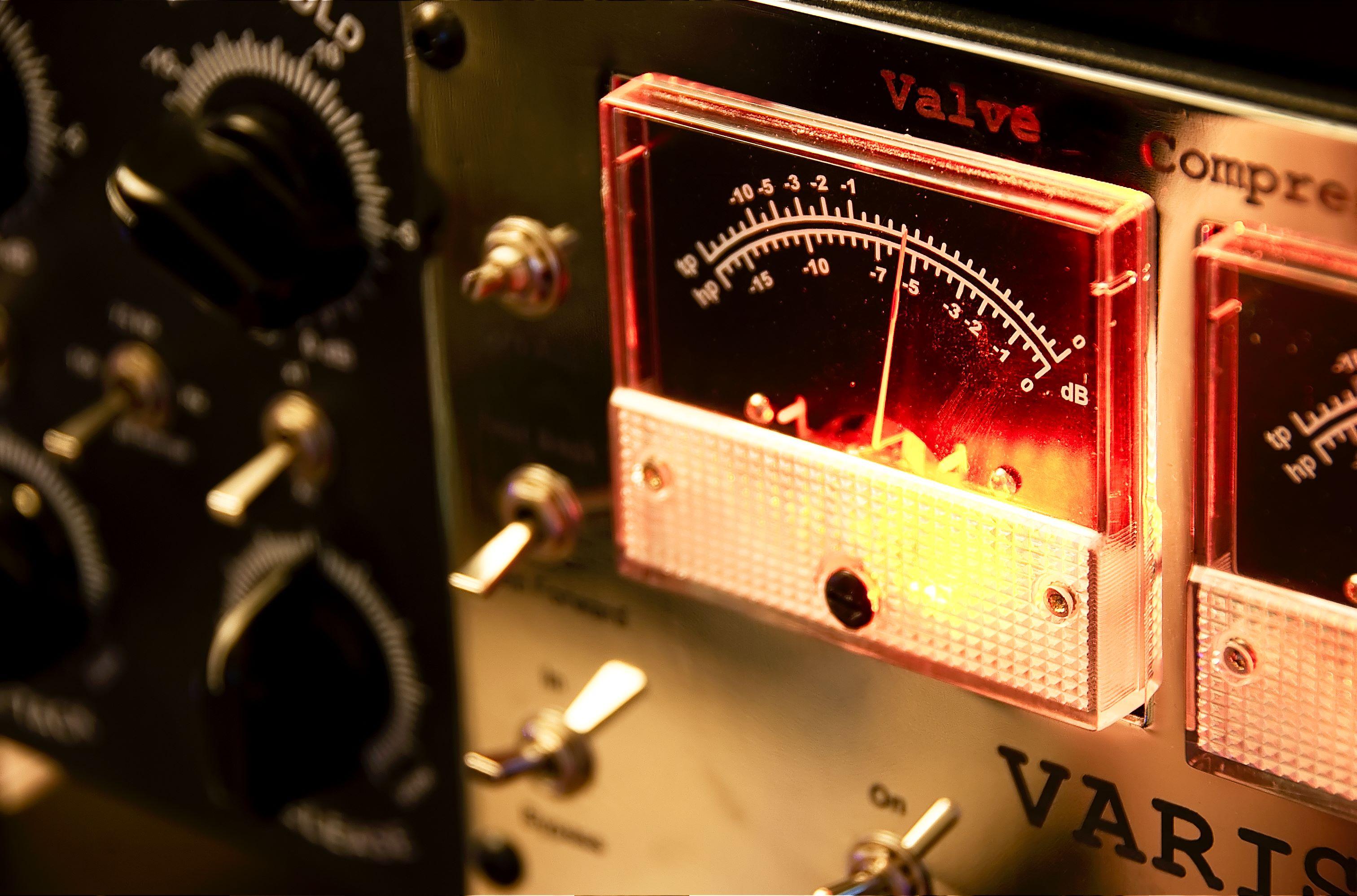 VM-Comp/Limiter – Nebula Programs