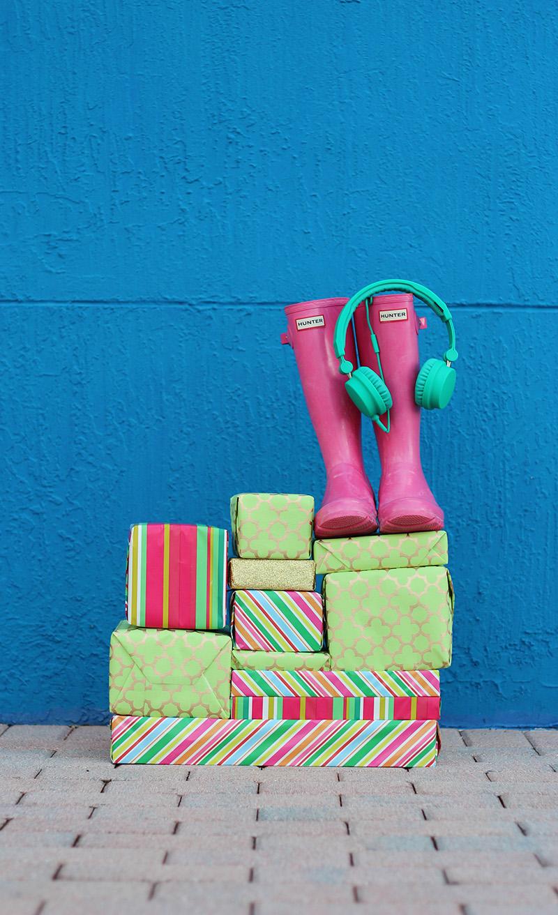 Happy Holidays | Earphones Giveaway