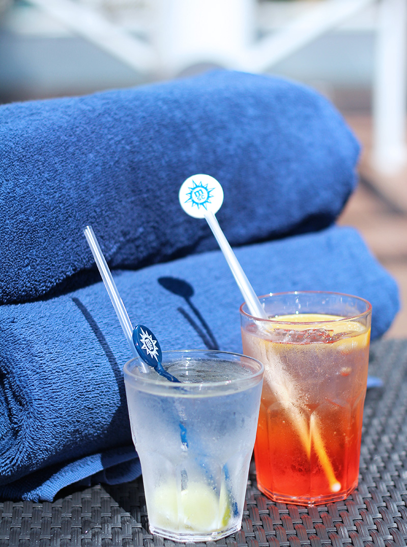 MSC-cruises-poolside-cocktails