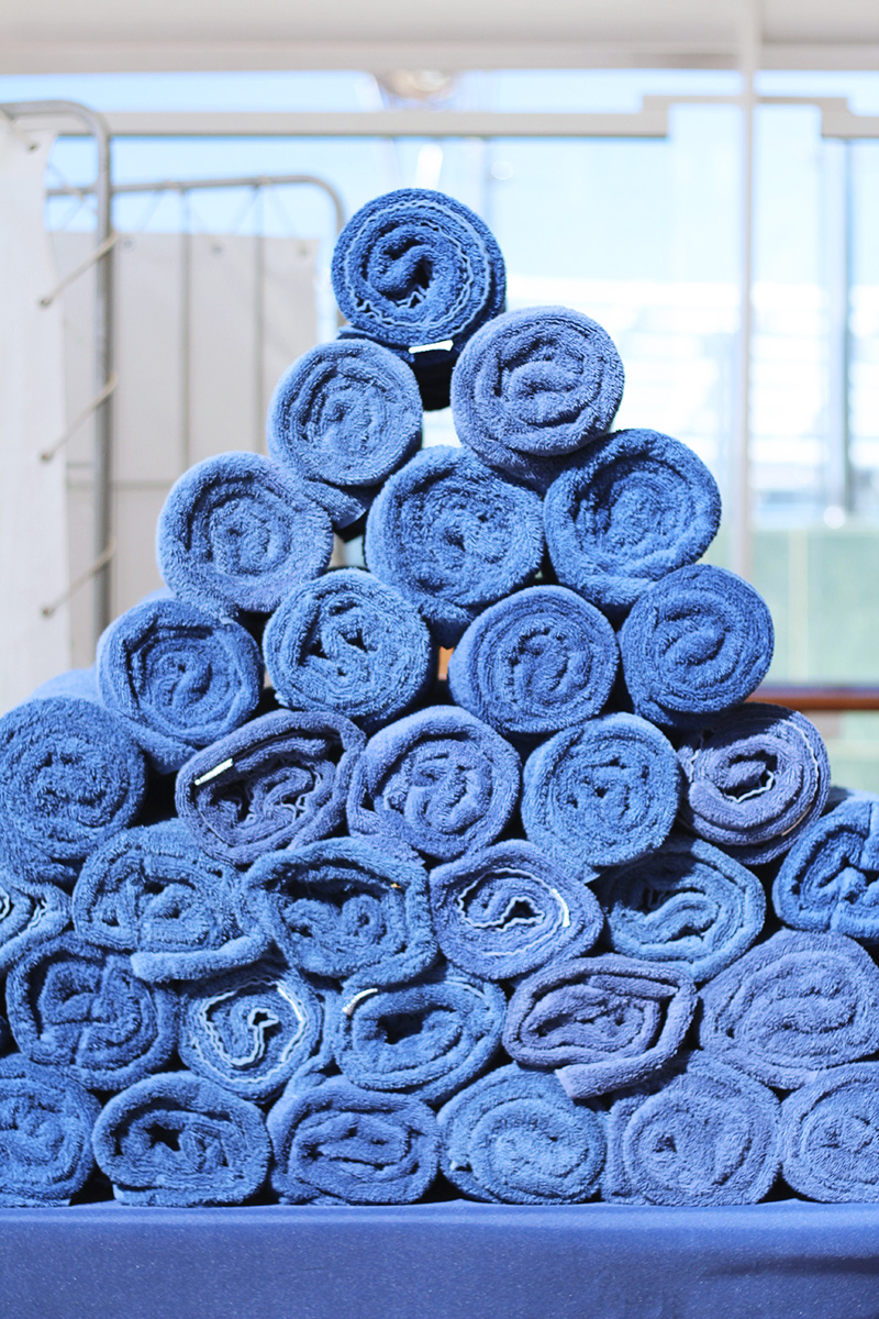 stack-of-blue-towels