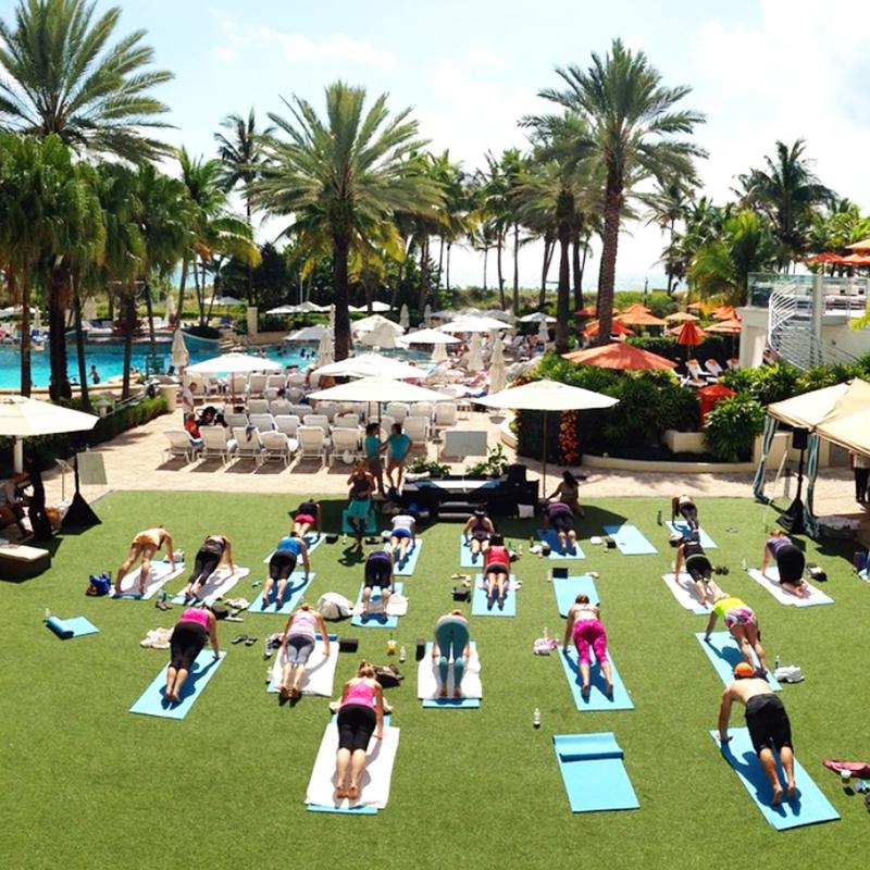 yoga-escape-day-with-hawaiian-tropic