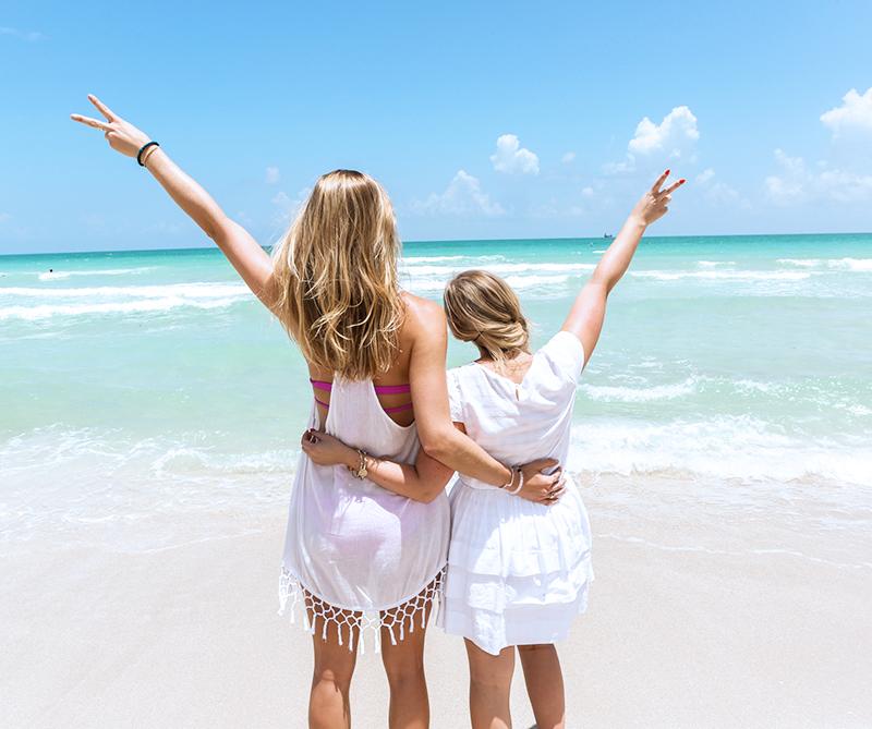 miami-blogger-on-the-beach
