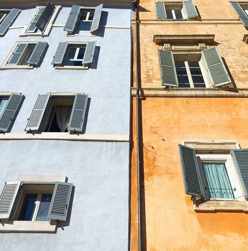 colored buildings of Rome