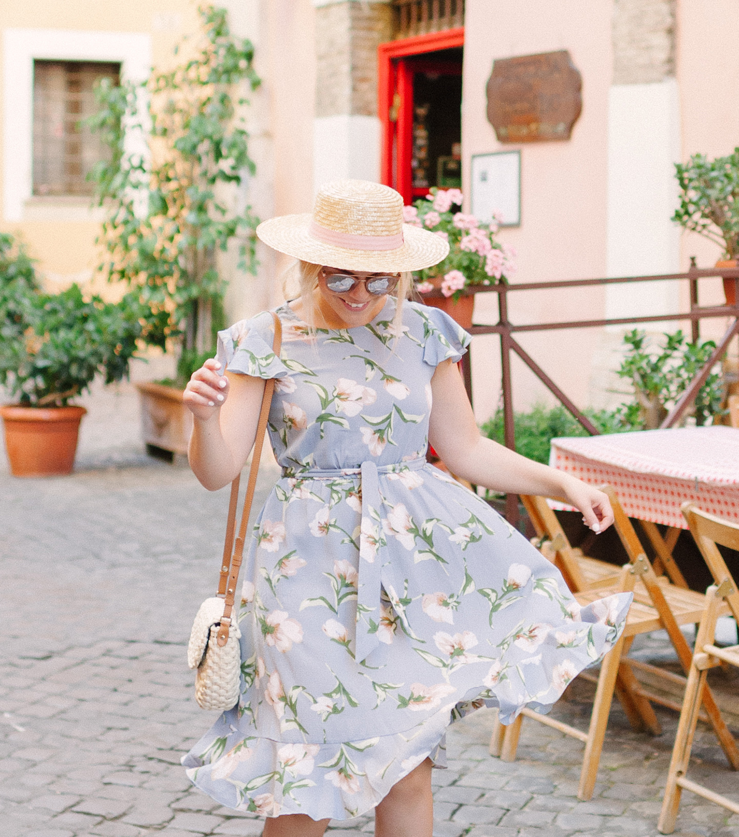 Trastevere, Italy Cafe Outfit