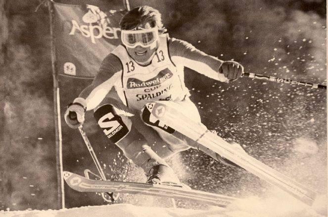 Retro Ski Racer